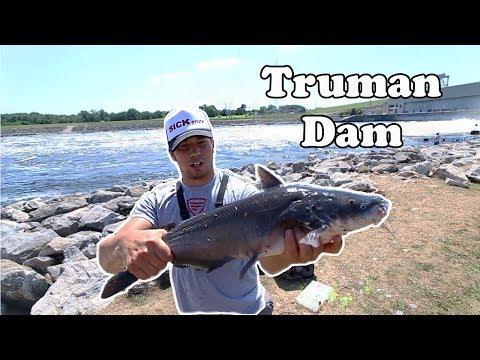 Fishing Dangerous Water Full Of Catfish (Truman Dam)