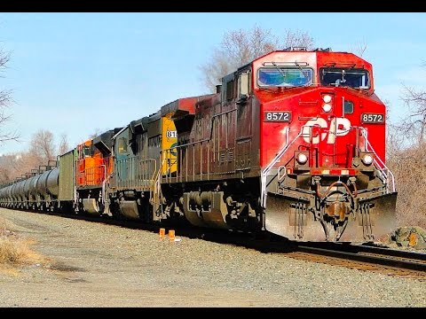 Thumbnail: PUMPKINS, BEAVERS and EAGLES: A Colorful Day of Trains while Railfanning the River Sub!