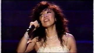 神戸万博のテーマ曲だったと思います。日本 中国 韓国 シンガポールの歌...