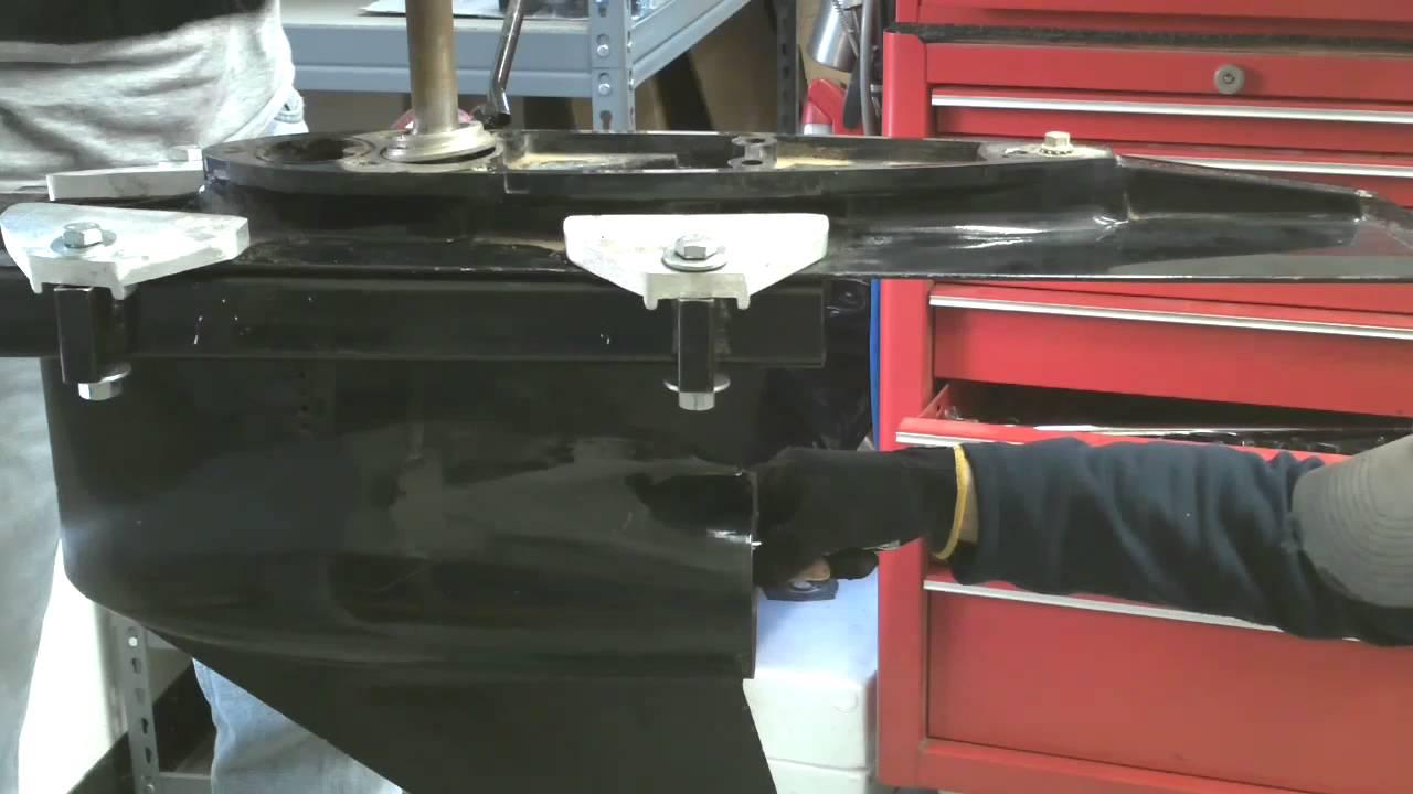 Mercruiser Bravo 3 Sterndrive Lower Unit Dis-Assembly
