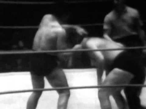 Ilio DiPaolo vs The Masked Marvel (Jim Wright) wrestling from Buffalo, NY 12/12/1958