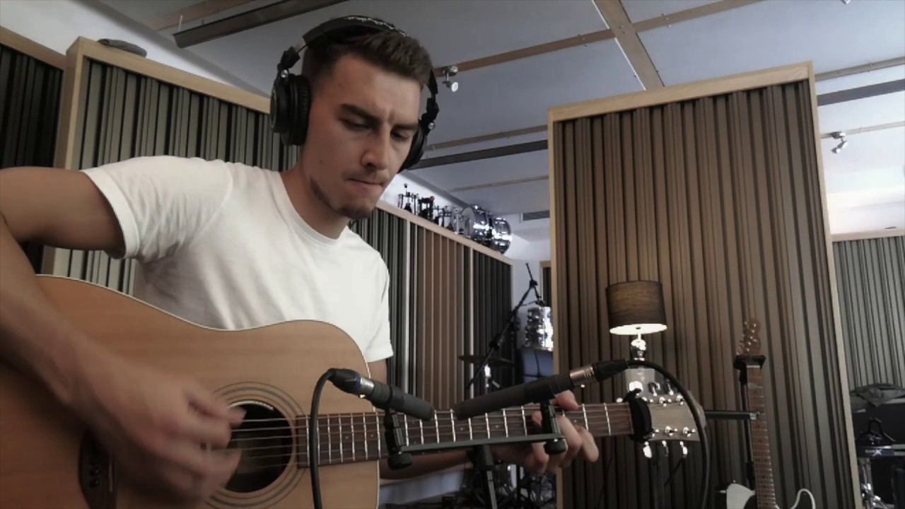 Acoustic Guitar Recording Techniques of the Pros