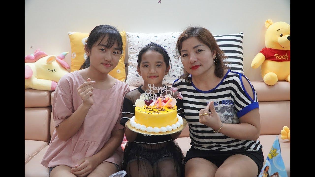 Đi Mua Bánh Gato Tổ Chức Sinh Nhật Bất Ngờ Cho Mẹ - Gia Đình Vui Vẻ - MN Toys