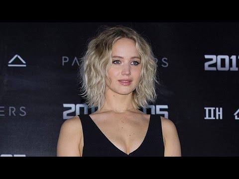 Jennifer Lawrence Explains Why She's Rude & Won't Take Selfies With Fans