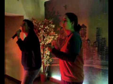 Dos Mujeres sordas , En karaoke con lse y oral!!!!!!!!!