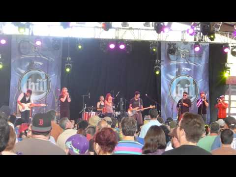 Catskill Chill 2013  -  Sister Sparrow and The Dirty Birds