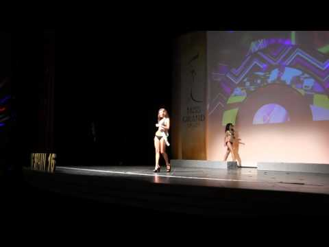Gala Final Miss Grand Spain 2016 en Sevilla. Desfile en traje de baño.