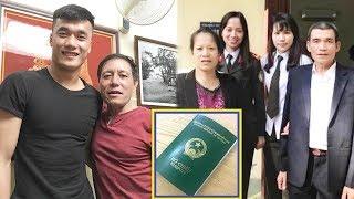 Bố mẹ Thủ môn Bùi Tiến Dũng được cấp hộ chiếu sang Trung Quốc cố vũ cho Con tr,,a,i
