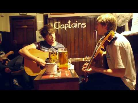 Five2Nine: Live Music At The Captains Bar. Edinburgh, Scotland