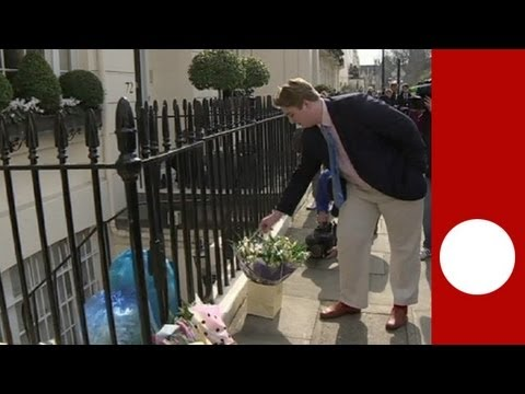 Floral tributes at Thatcher's house