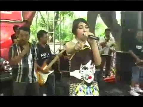 Cinta Terlarang - Lagu & Lirik #Via Vallen #OM SERA   #Live: Taman Ria Maospati