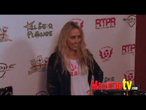 Meet MILEY CYRUS Hot MOM! at Lollipops and Rainbows Event