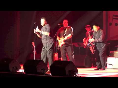 Gary US Bonds on stage