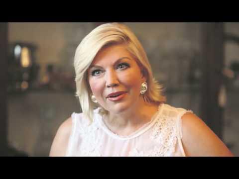 Suzana Mancic se ŠVALERISALA sa MUŽEM poznate PEVAČICE from YouTube · Duration:  1 minutes 16 seconds