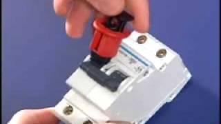 Sistema de condenación de disyuntores térmicos