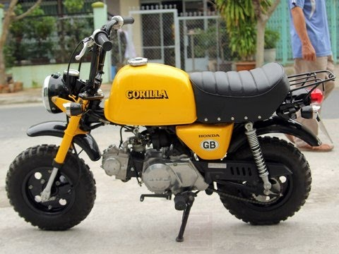 honda gorilla 50cc monkey bike collection youtube. Black Bedroom Furniture Sets. Home Design Ideas