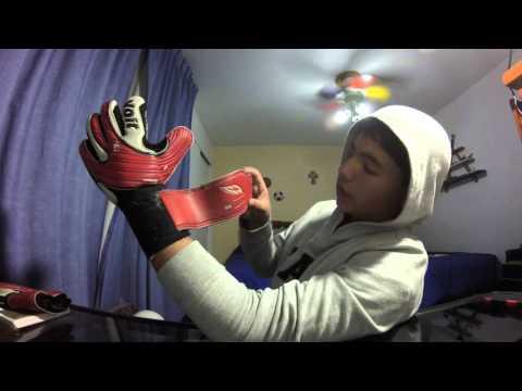 Review guantes de utileria voit de Oscar el CONEJO Perez