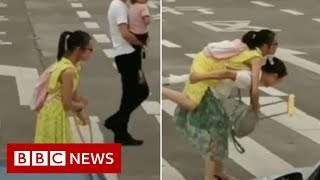 Is the bystander effect a myth? - BBC News