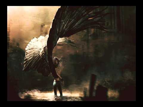 The Glitch Mob - Bad Wings vs. La Roux's - In For The Kill