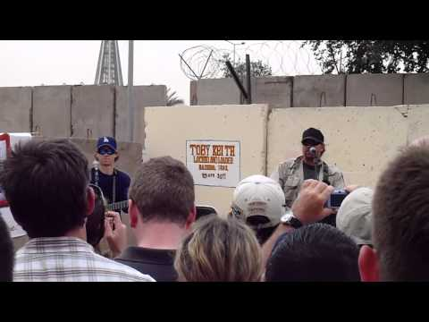 Toby Keith IZ concert - Should have been a cowboy