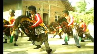 """Kuda Lumping"" Eps. Mendem (Javanese traditional dance)"