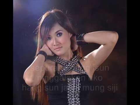 Dangdut Indonesia - lirik  -lungset Nella kHarisma feat Mahesa
