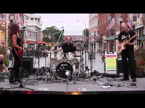 Trio Of Madness - Action News Theme - Live @ Division Street