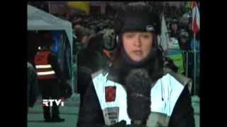 Тысячи людей в Киеве не покидают центра города и близлежащих улиц(И мы возвращаемся к главным новостям дня - событиям в Киеве, где тысячи людей не покидают центра города и..., 2014-01-22T21:36:16.000Z)
