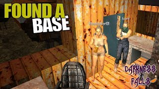 FOUND A BASE | Darkness Falls MOD 7 Days to Die | Let's Play Multiplayer Gameplay | S02E02