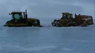cat challenger accident caterpillar tractor dozer crash in the frozen sea unfall traktor