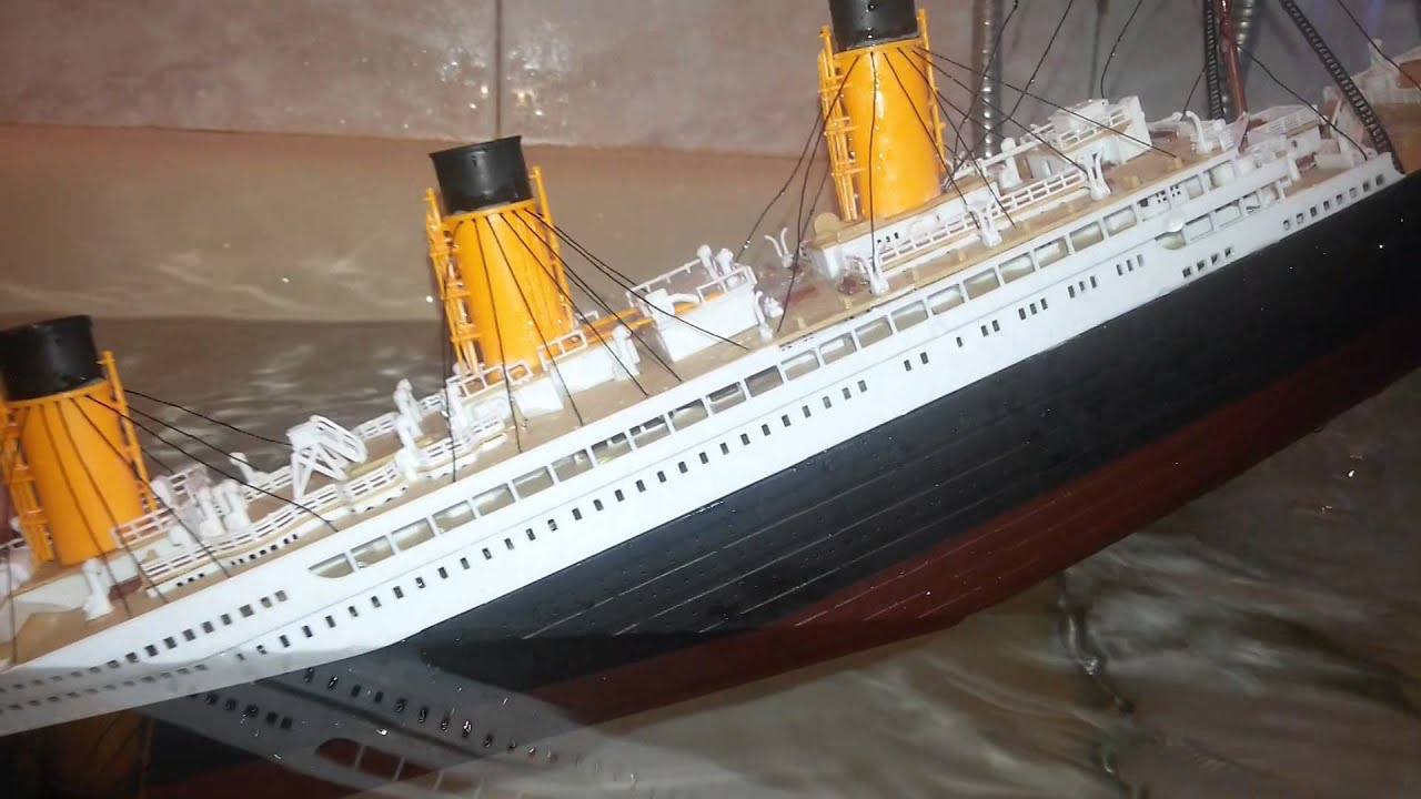 Titanic model sinking - YouTube