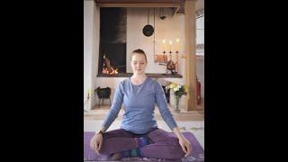 45 min// Myk Yoga for Nakke, Skuldre og Rygg