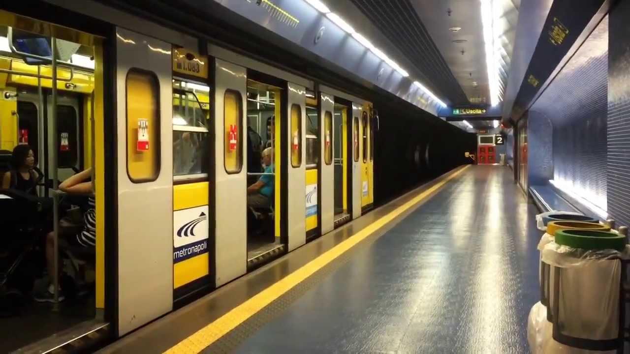 Metro Nápoles Línea 1 YouTube