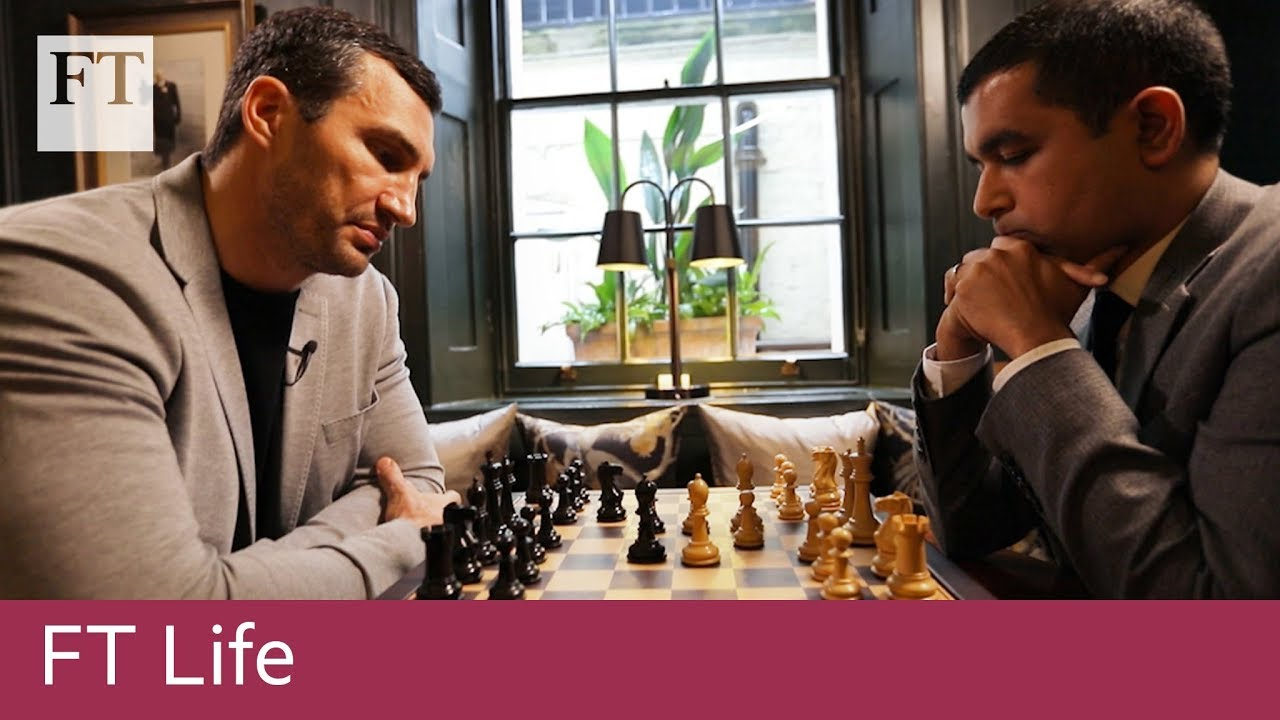Wladimir Klitschko plays chess with the FT