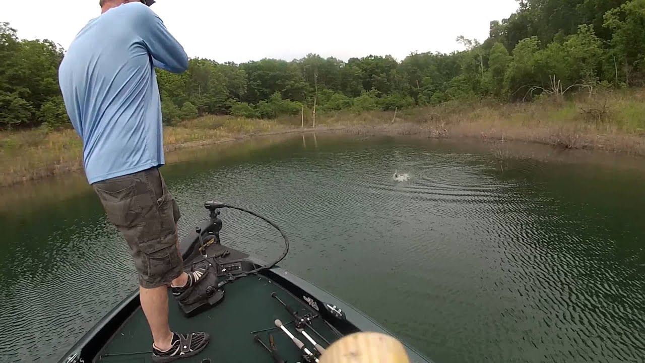 2015 spring bass fishing bull shoals lake boat dock youtube for Bull shoals lake fishing report