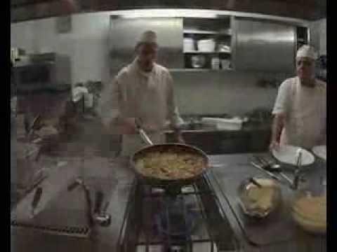 Cucina Futurista in Liguria il raviolo futurista la farinata il pesto ecc  YouTube