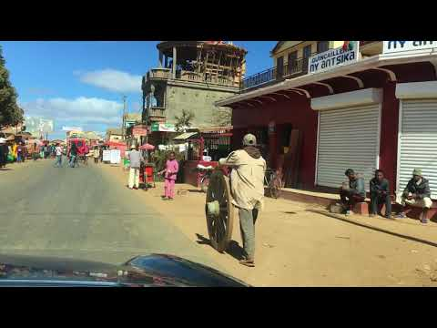 On the road Madagascar - Mora Travel