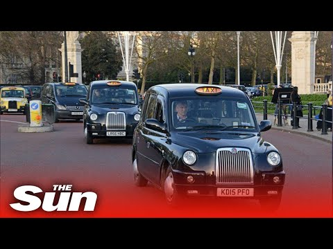 Fuel shortage crisis leaves London taxi drivers unable to work amid panic buying
