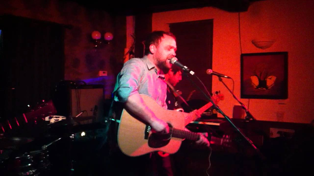 frightened-rabbit-things-old-bridge-inn-aviemore-michael-quantrill