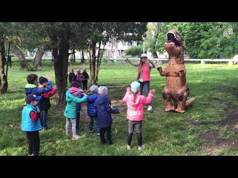 Динозавр танцует Skibidi в Одессе.  Для заказа - 0930058888