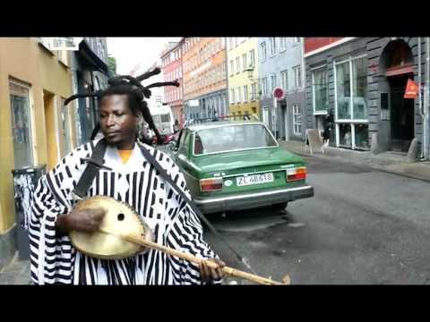 King Ayisoba synger