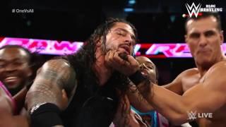 Roman Reigns En Una Pelea de 1 Contra Todos   En Español   WWE Raw 11 01 2016
