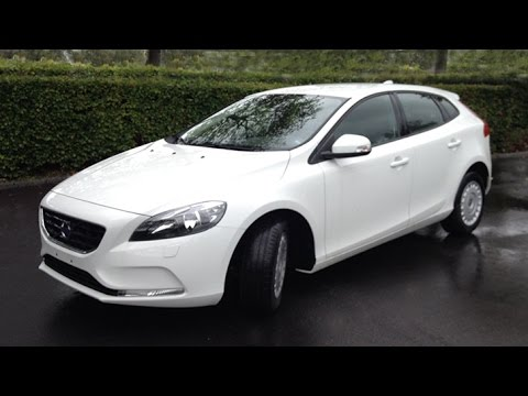 volvo v40 d2 kinetic 2014 review youtube. Black Bedroom Furniture Sets. Home Design Ideas