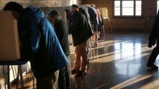 Voters hit the polls for Wisconsin primary