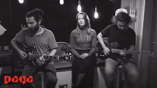 Melisa Karakurt - Bir Fırtına Tuttu Bizi