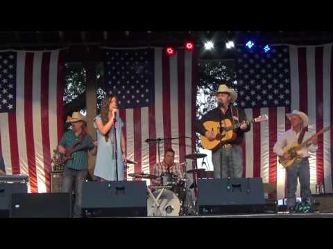 Daryle Singletary, Charli Robertson / We Must Have Been Out Of Our Minds
