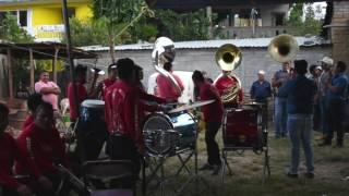 El compa Keiko en la tuba / Muerteada Mazaltepec, barrio la loma 2016