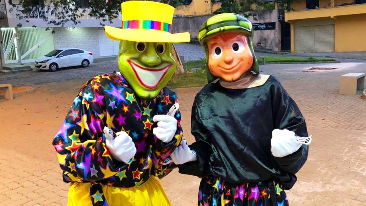 Personagens Dançando - Chaves e Maskara