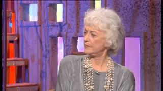 So Graham Norton 2000-S3xE12 Bea Arthur, Stephanie Powers-part 1