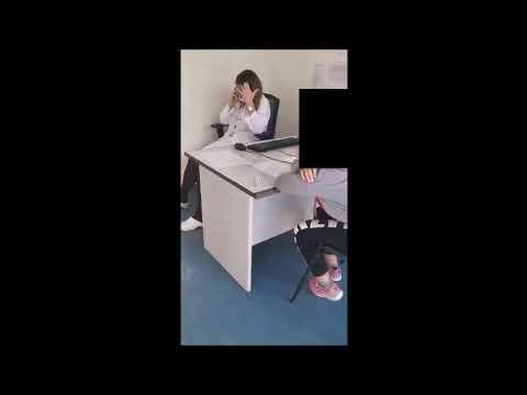 DOKTORICA TELEFONIRA DOK DIJETE ČEKA PREGLED